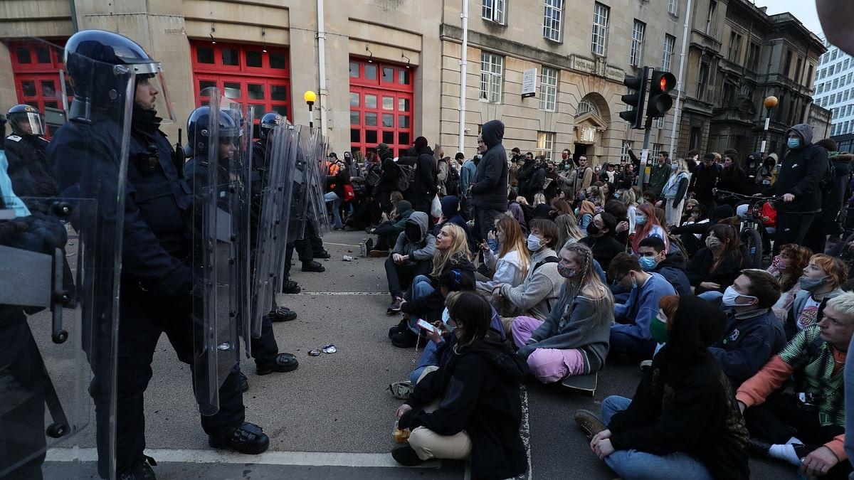 برطانیہ میں 'کل دی بل' احتجاج، 26 افراد گرفتار