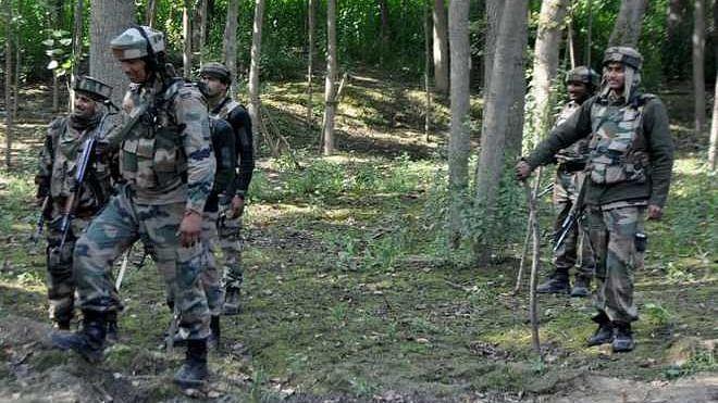 جموں و کشمیر کے پلوامہ میں تصادم، ایک فوجی جوان شہید، آپریشن جاری