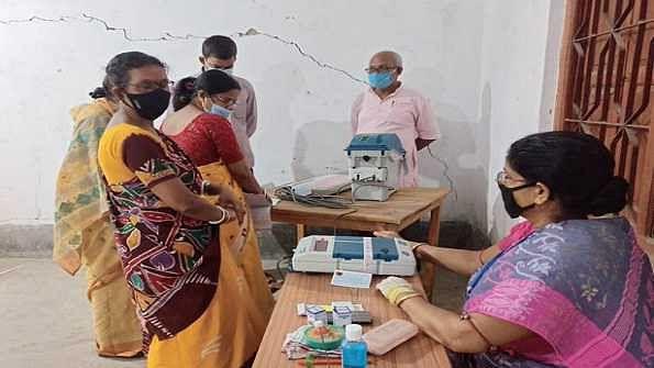 مغربی بنگال اسمبلی انتخابات: کورونا کی دوسری لہر کے درمیان آٹھویں اور آخری مرحلے کے لئے ووٹنگ جاری