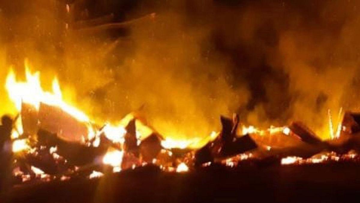 جموں: روہنگیا پناہ گزینوں کی بستی میں آتشزدگی، تقریباً دو درجن جھگیاں خاکستر