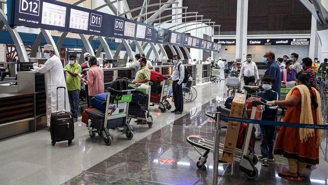 کورونا بحران: عمان میں ہندوستان، پاکستان اور بنگلہ دیش سے آنے والے مسافروں کے داخلے پر پابندی