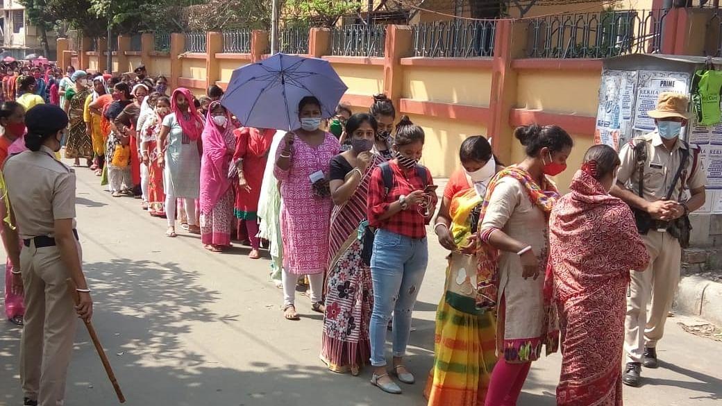 بنگال انتخابات: پانچویں مرحلے کی 45 سیٹوں پر ووٹنگ، 319 امیدواروں کی قسمت داؤ پر