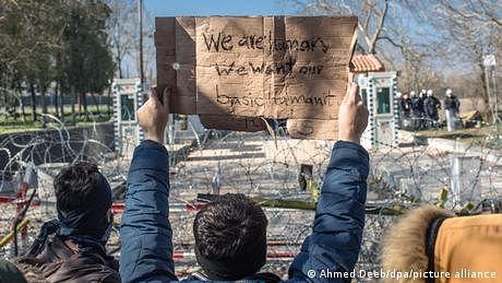 یونان میں مہاجرین کے ساتھ زیادتی، حکام کے خلاف سنگین الزامات