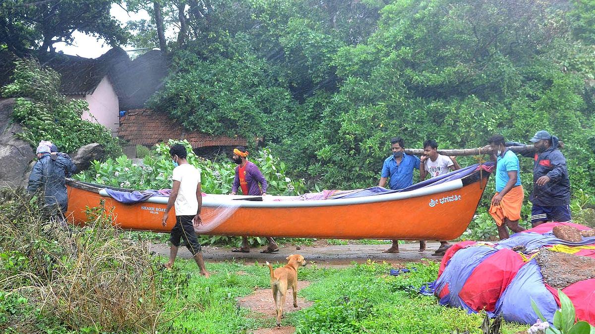 گجرات: تاؤتے طوفان کے سبب شیرنی اور کالے ہرنوں کی لاشیں برآمد، محکمہ جنگلات پر حقیقت چھپانے کا الزام