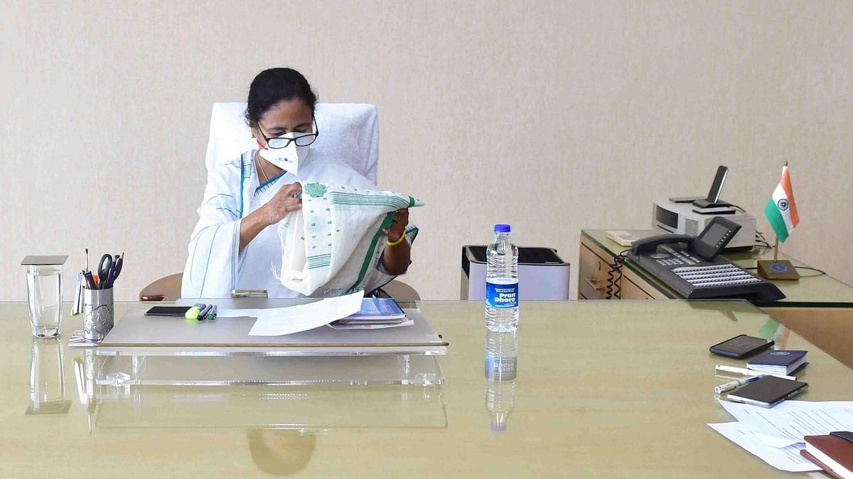 بنگال کی کمان سنبھالتے ہی ممتا نے کئی افسران بدلے، سخت کورونا پابندیوں کا بھی اعلان