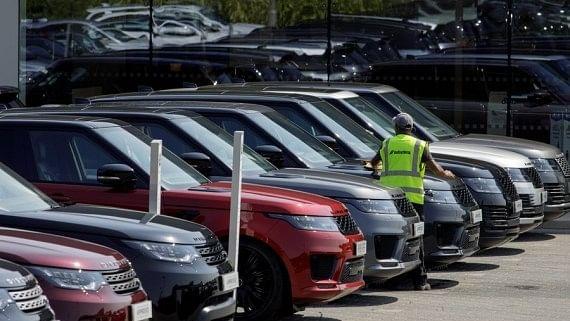 گاڑیوں کی فروخت پر کورونا کا برا اثر، اپریل میں خوردہ فروخت میں 28 فیصد کمی