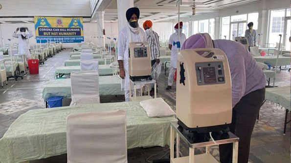 دہلی: رکاب گنج گرودوارہ میں 250 بستروں پر مبنی کووڈ کیئر سینٹر قائم