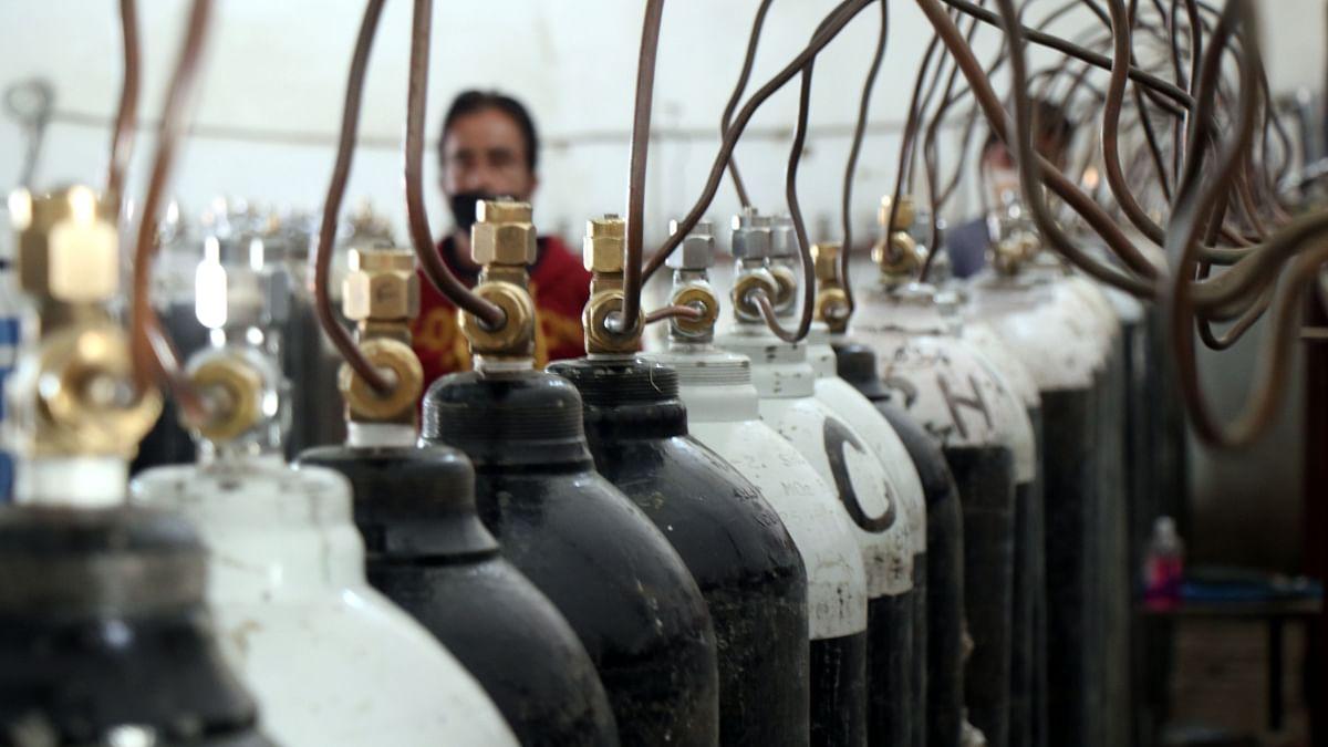 این جی اوز کے آکسیجن سلنڈروں کی ریفلنگ پر پابندی نہیں بلکہ اس عمل کو منظم کیا جا رہا ہے: ضلع مجسٹریٹ سری نگر