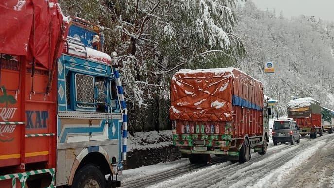 وادی کشمیر کو لداخ سے جوڑنے والی شاہراہ ٹریفک کے لئے بحال