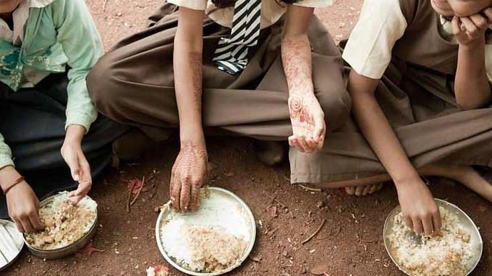 کورونا کی وجہ سے غریب ممالک میں لاکھوں لوگ قحط کی جانب بڑھ رہےہیں