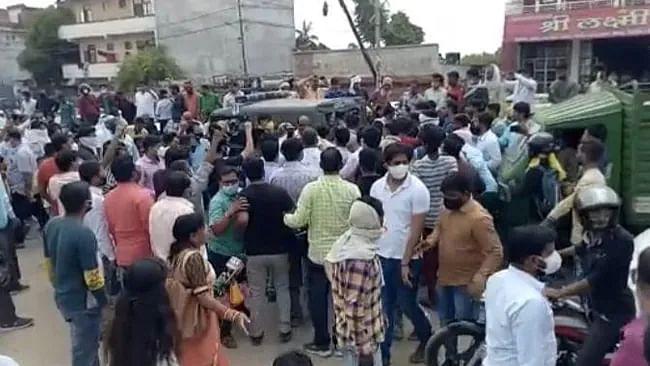 کانپور: مجرم کو فرار ہونے میں مدد کرنے کے الزام میں بی جے پی لیڈر کے خلاف مقدمہ درج