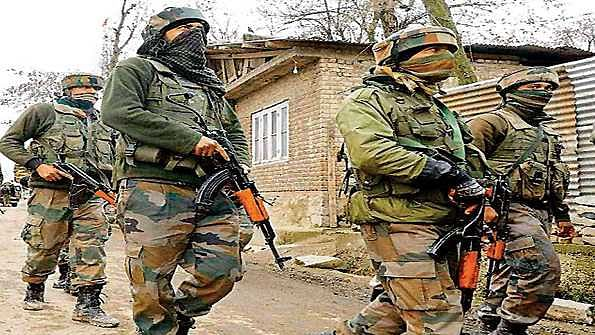 شمالی کشمیر کے قصبہ سوپور میں سیکورٹی فورسز پر فائرنگ، 2 سیکورٹی اہلکار اور 2  عام شہری از جان، 3 زخمی