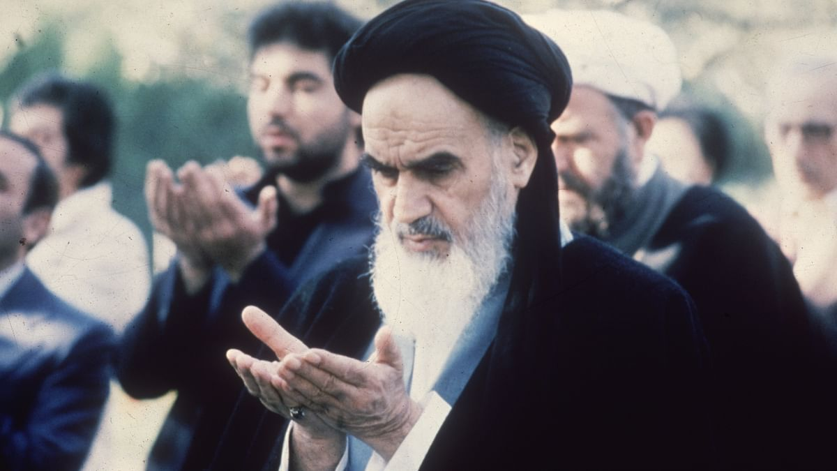 ظالموں کے لیے آہنی تلوار- امام خمینی... نواب علی اختر