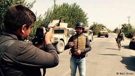 افغانستان:'دشمن کا پروپیگنڈا' پھیلانے کے الزام میں چار صحافی گرفتار