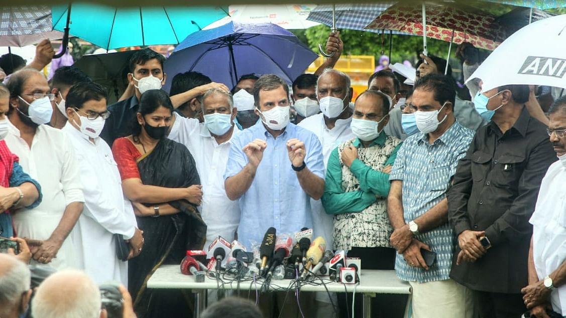 حکومت کو پیگاسس معاملے میں پارلیمنٹ میں جواب دینا چاہئے: راہل گاندھی