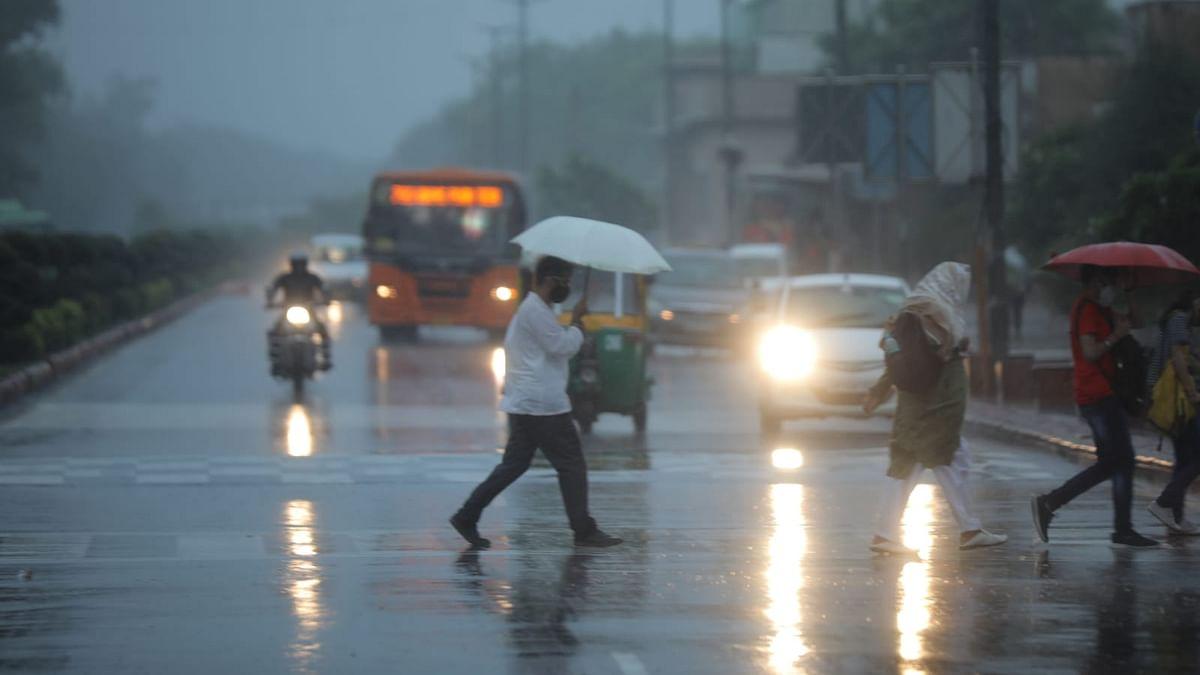 دہلی-این سی آر میں مانسونی بارشوں کا زور، ہماچل-اتراکھنڈ میں سیلاب اور لینڈ سلائڈنگ سے معمولات زندگی متاثر