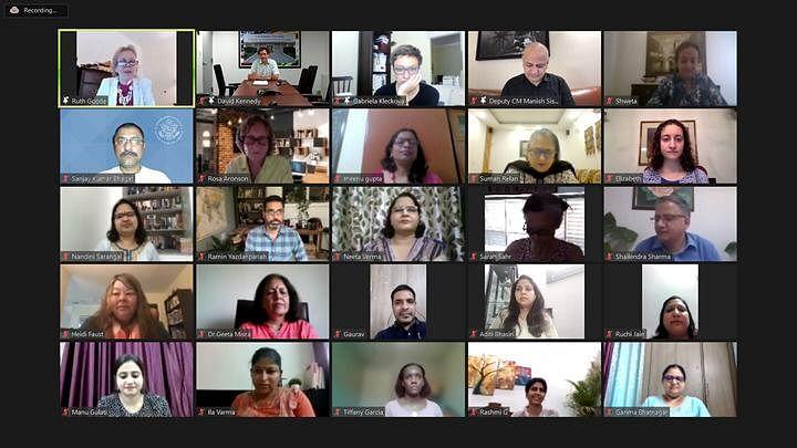 دہلی: سرکاری اسکولوں کے 800 اساتذہ نے امریکی سفارت خانے کے تعاون سے مکمل کیا TESOL انگریزی زبان سرٹفکیشن پروگرام