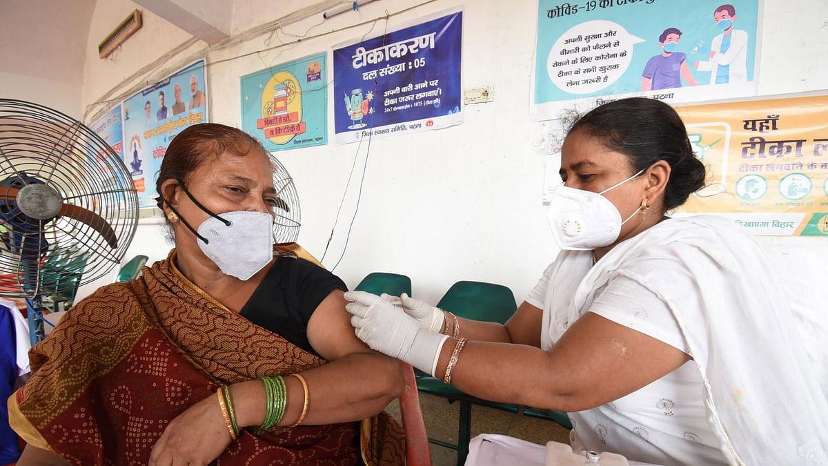 کورونا وائرس: مارچ کے بعد سب سے کم یومیہ معاملے، 723 مریض فوت