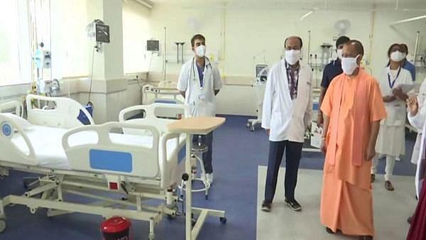 یوپی: ضلع مجسٹریٹ کے سلوک سے ناراض 17 ڈاکٹروں نے دیا استعفیٰ، ہیلتھ ڈپارٹمنٹ میں افرا تفری