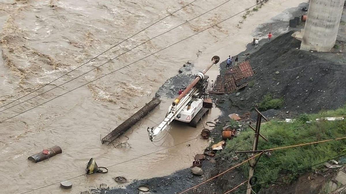 جموں و کشمیر: فلش فلڈس، زمین کھسکنے اور مٹی کے تودے گرنے کے پیش نظر ایڈوائزری جاری