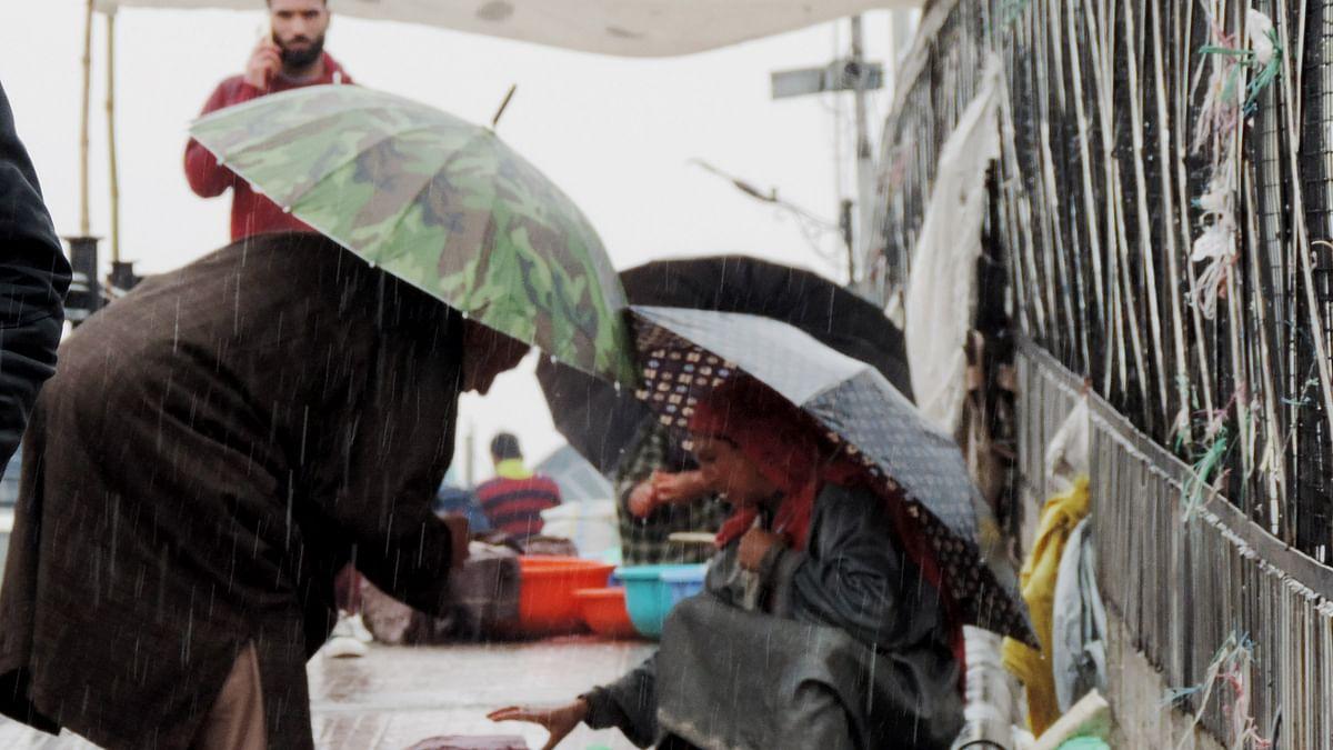 جموں و کشمیر میں موسلادھار بارش ہونے سے لوگوں کو راحت