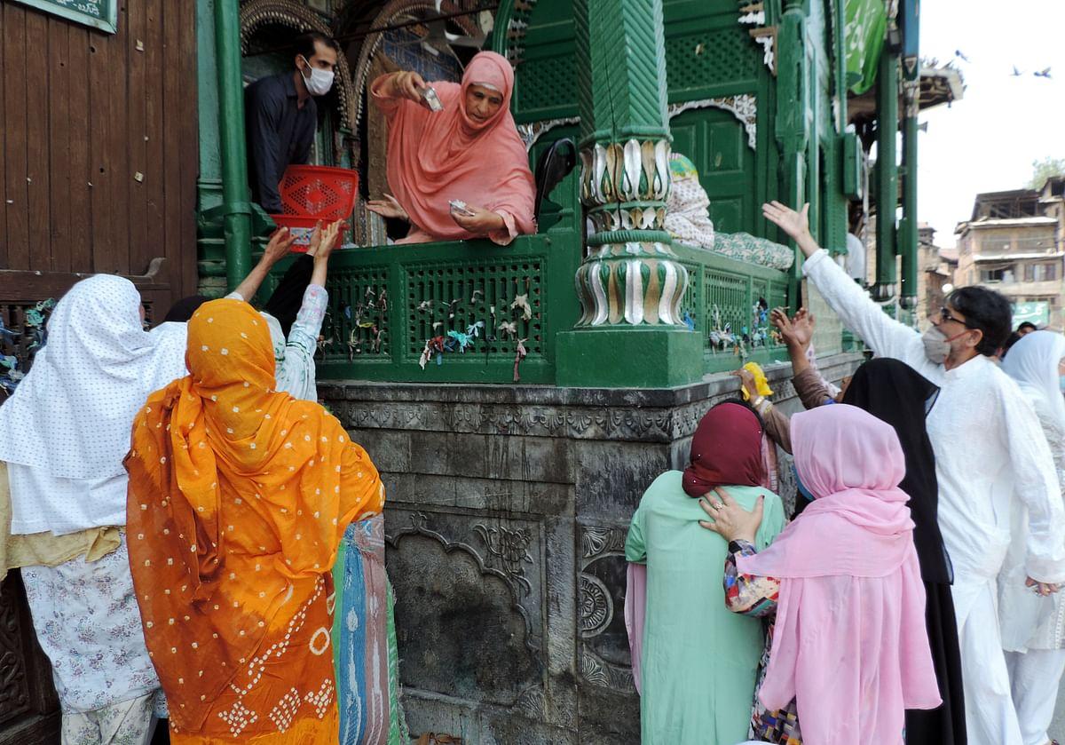 کشمیر: حضرت شاہ ہمدان کا 656واں عرسِ مبارک تزک و احتشام سے منایا گیا