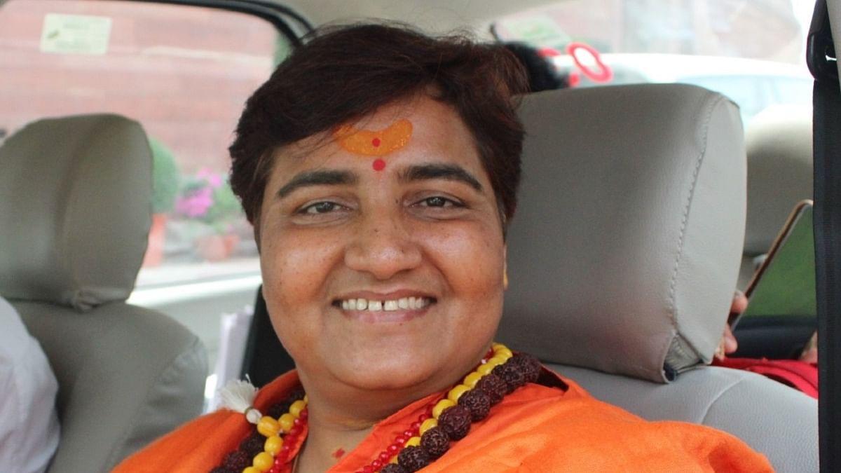 سادھوی پرگیہ پر ایمس ڈائریکٹر کا جوابی حملہ، کہا 'مجھ سے جی حضوری کروانا چاہتی ہیں'