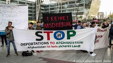 جرمنی اور نیدر لینڈز نے افغان شہریوں کی ملک بدری معطل کر دی