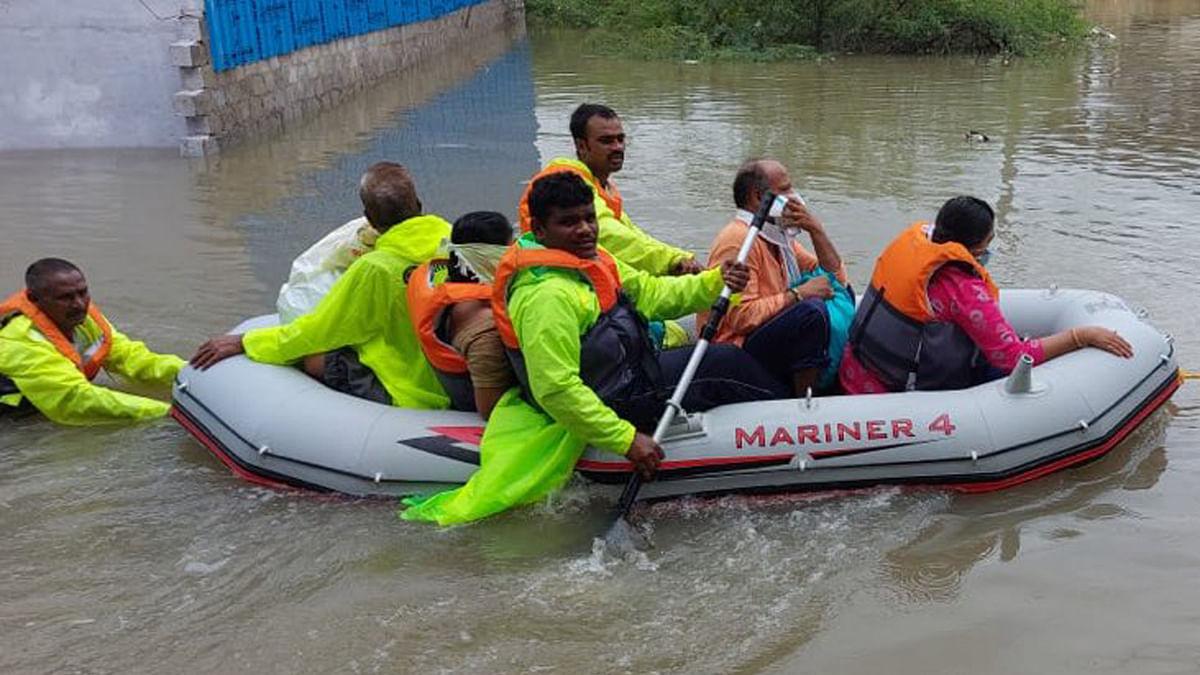 یوپی، بہار سے لے کر مہاراشٹر تک سیلاب کی تباہی، متعدد افراد نقل مکانی پر مجبور