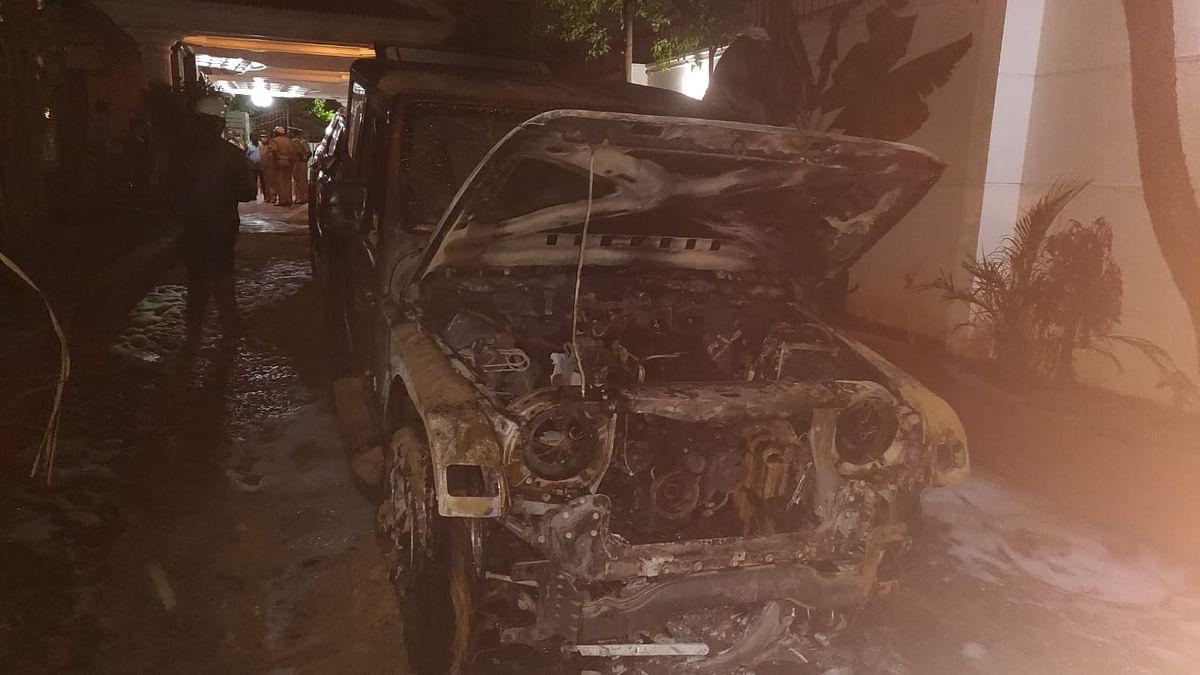 کرناٹک: بی جے پی رکن اسمبلی کی دو گاڑیاں نذرِ آتش، تحقیقات کا حکم