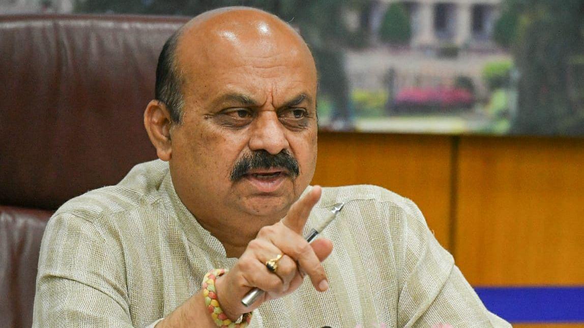 کرناٹک: بومئی حکومت کے وزرا میں قلمدانوں کی تقسیم، وزیر اعلیٰ نے فنانس اپنے پاس رکھا