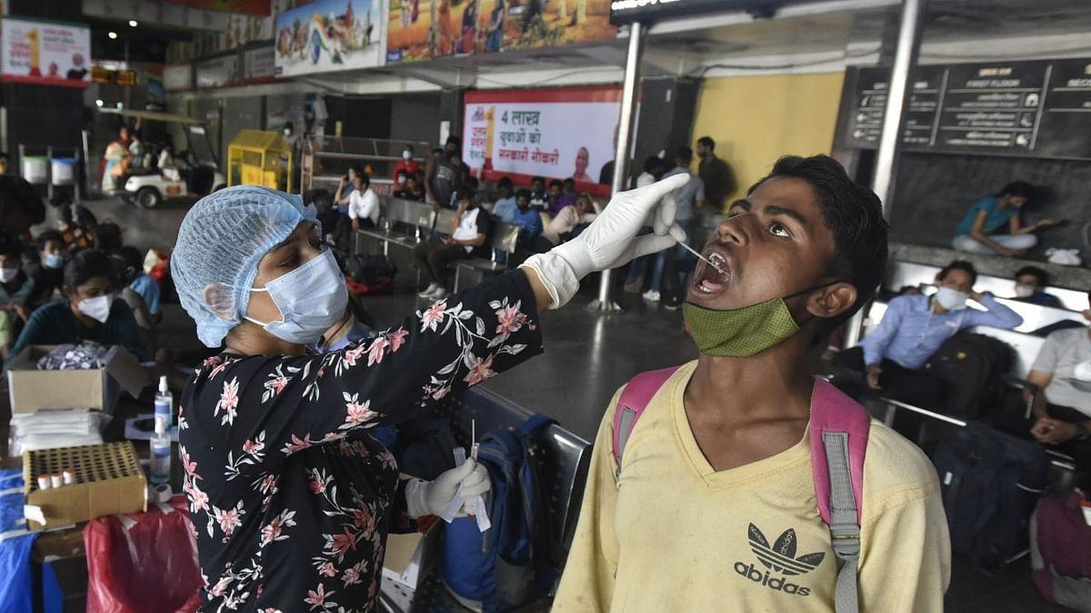 کورونا وائرس: 24 گھنٹوں کے دوران 25072 نئے معاملے، 389 مریضوں کی موت