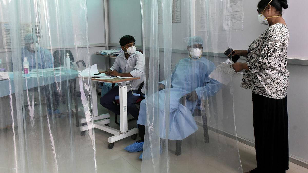 یوپی کی صحت خدمات کا حال! وائرل بخار کے بعد اسپتالوں میں جگہ ختم، لوگ گھروں پر علاج کروانے پر مجبور
