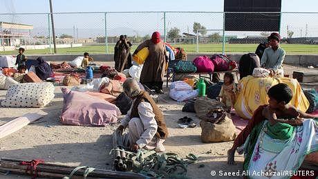 افغانستان کو پاکستان اور چین کی جانب سے انسانی امداد