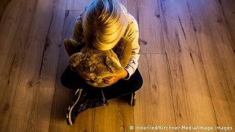 گھر کے اندر جنسی تشدد، 'گھر کی بات نہیں'