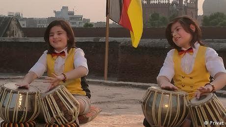 جرمنی کا قومی ترانہ:  طبلے پر پاکستانی بچوں کی پرفارمنس