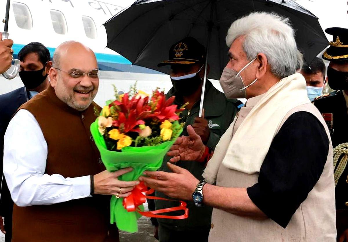 امت شاہ جموں و کشمیر کے تین روزہ دورے پر سری نگر پہنچے