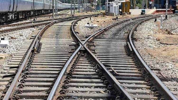 ہند-نیپال مسافر ٹرینیں اب جلد پٹری پر دوڑیں گی، صرف نیپال کے حصے کا کام باقی