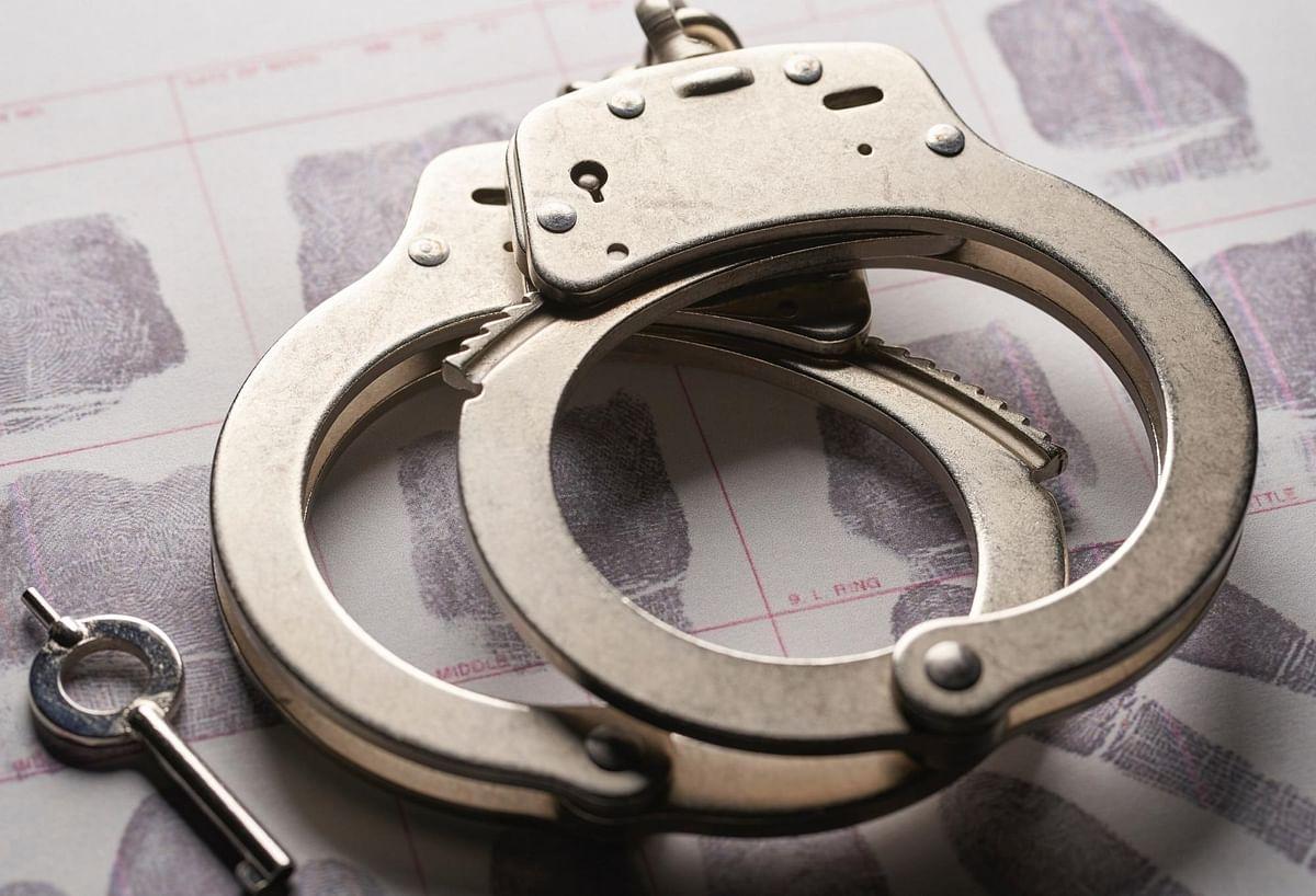 اہم خبریں: غیر قانونی پٹاخے لے جانے والے دو ملزمان گرفتار