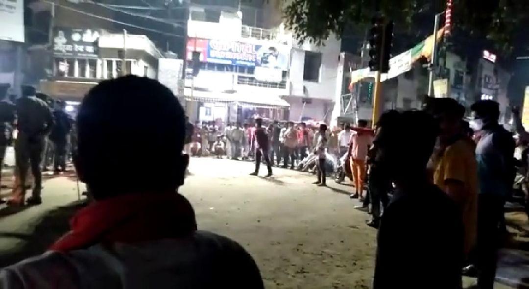 سہارنپور: ہندو تنظیموں کی 'مغل ریسٹورینٹ' کو زبردستی بند کرانے کوشش، دو فرقوں میں کشیدگی