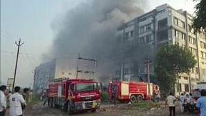 سورت میں آتشزدگی / ٹوئٹر / @ANi