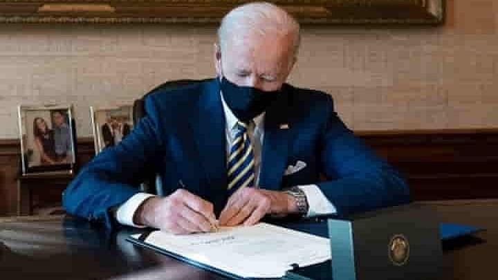 امریکی صدر بائڈن نے آخر وقت میں امریکہ کو شَٹ ڈاؤن سے بچایا
