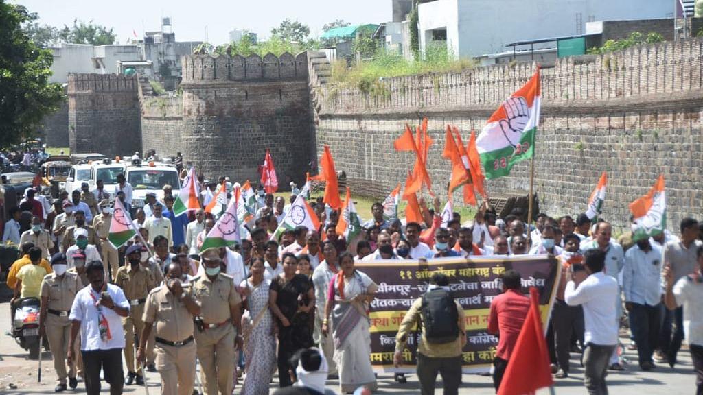 لکھیم پور کھیری واقعہ کے خلاف مہاراشٹر بند کامیاب رہا، ممبئی سمیت مسلم علاقے بھی رہے بند