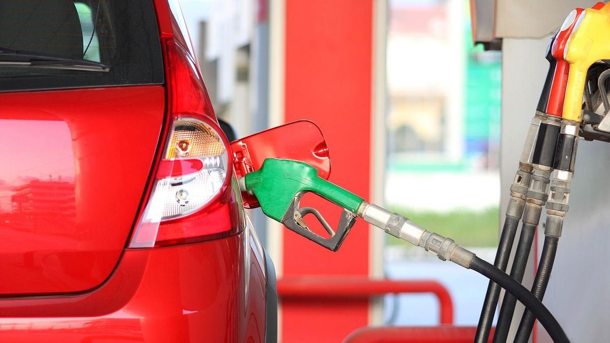 पेट्रोल-डीजल के दामों में कटौती, ईंधन के दाम घटने से राहत