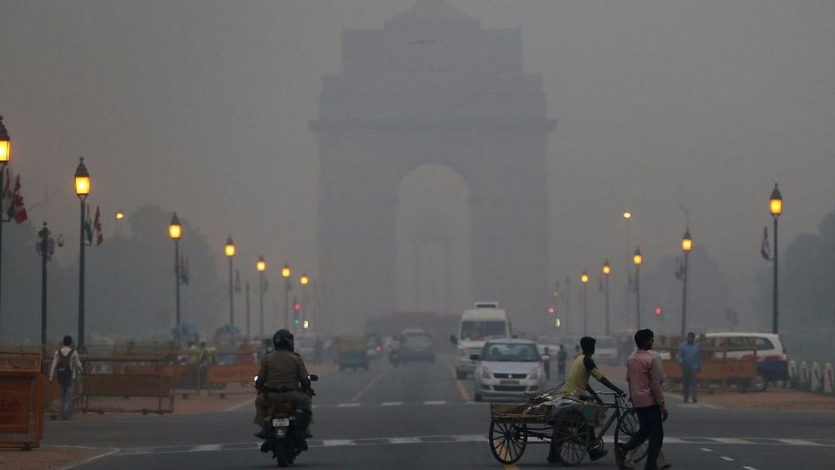कोर्ट ने पर्यावरण मंत्रालय पर 2 लाख रुपये का जुर्माना लगाया.