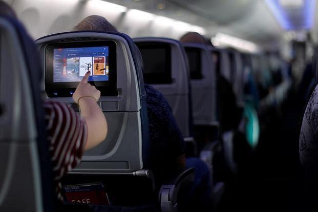 फ्लाइट में इंटरनेट और मोबाइल फोन के इस्तेमाल को  TRAI की मंजूरी