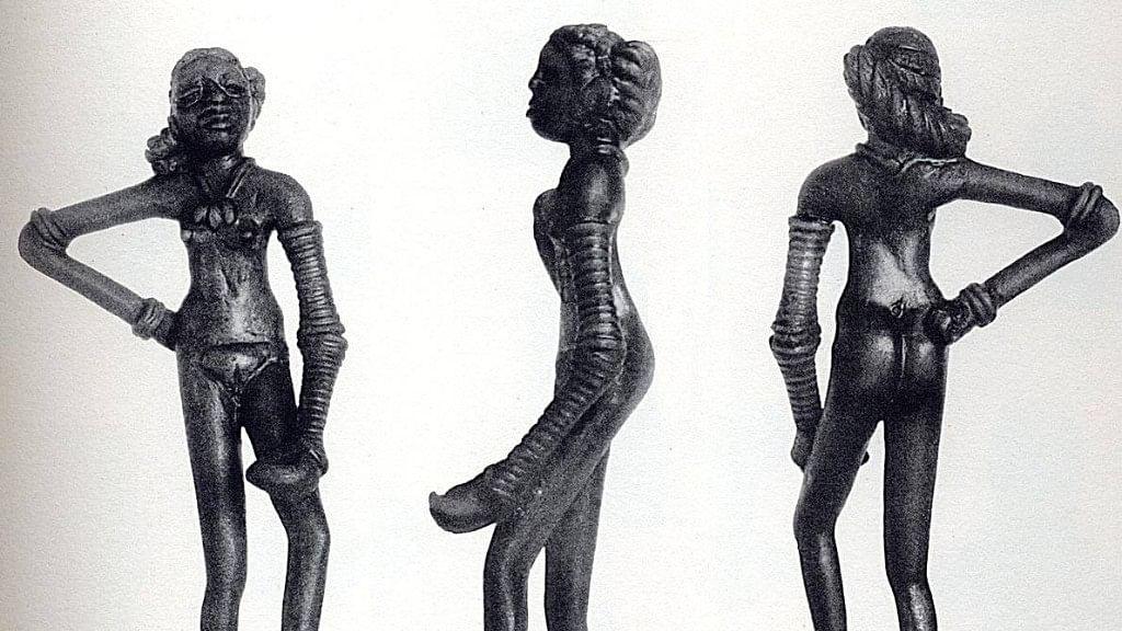 सिंधु घाटी सभ्यता के हड़प्पा से मिली 'नर्तकी' की मूर्ति
