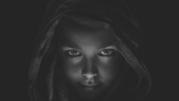 चेहरे का साफ रंग भारतीय समाज में, खासकर लड़कियों के मामले में एक पूंजी है