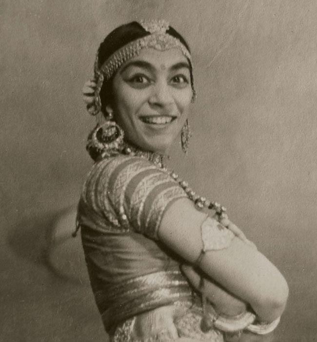 उदय शंकर की नृत्य-मंडली में नृत्य करती थीं जोहरा