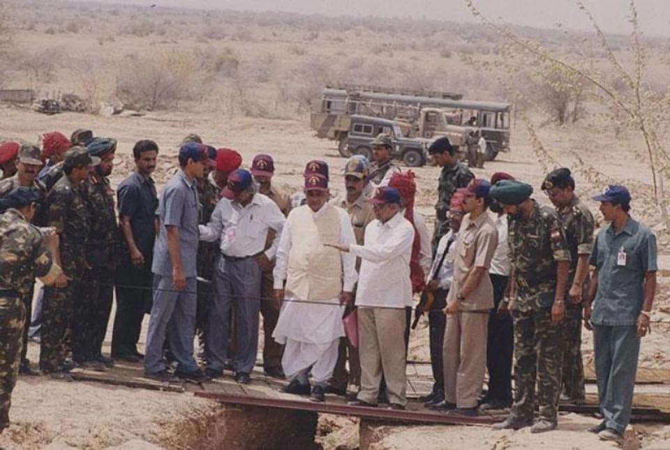 पोखरण 2 अभियान को 11 मई 1998 को एक के बाद एक पांच विस्फोट किए गए